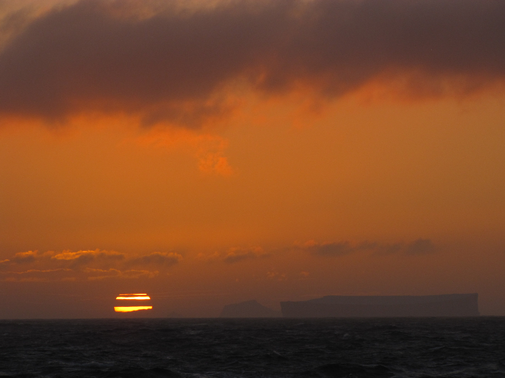 antarctic-sound-sunset